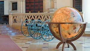grand globe antique